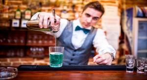 waiter drinks2 scale